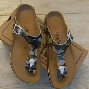 BN Camo Birkenstock Betula Thongs Size 40 L9/M7